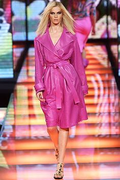 Versace Fall 2002 Ready-to-Wear Collection Photos - Vogue