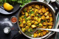 Batata Harra is the perfect spicy roasted potatoes recipe! ➤ Step-by-step recipe ➤ Fluffy on the inside and crispy on the outside. Healthy Potato Recipes, Roasted Potato Recipes, Roasted Potatoes, Lunch Recipes, Cooking Recipes, Potato Vegetable, Vegetable Salad, How To Cook Potatoes, Iftar