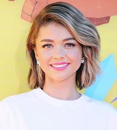 Sarah Hyland looked gorgeous with her lob styled in swept-over texture, and a bubble-gum-pink lip. Which of these looks will you try out this weekend? Tell us in the comments! Long Hair Cuts, Wavy Hair, Sarah Hyland Hair, Lob Styling, Romantic Hairstyles, Hot Hair Styles, Hair Pictures, Hairstyle Pictures, Hairstyle Ideas
