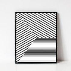 ART IMPRIMABLE - IMPRIMÉ GÉOMÉTRIQUE NOIR ET BLANC Téléchargez instantanément les fichiers et imprimez à partir de la maison. Cette liste est pour un imprimé minimaliste, propre et géométrique composé de rayures noires et blanches. La conception crée un gradient global de l'obscurité à la lumière. Motivational Wall Art, Inspirational Wall Art, Wall Art Quotes, Chevron Wall Art, Art Minimaliste, Custom Wall, Minimalist Art, Modern Wall Art, Geometric Art