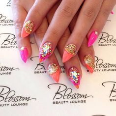 love these stiletto nails !