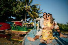 foto de casal em barco de pescador