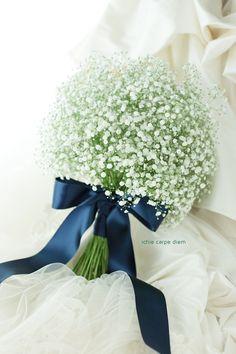 Hand Bouquet Wedding, Wedding Dress Types, Diy Wedding Flowers, Bride Bouquets, Bridal Flowers, Floral Bouquets, Flower Bouqet, Ribbon Bouquet, Blue Bouquet