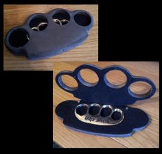 A collection of the best brass knuckles you will ever see. Knuckles Hand, Brass Knuckles, Archery Tips, Trench Knife, Dusters, Ocean City, Knifes, Axe, Trauma
