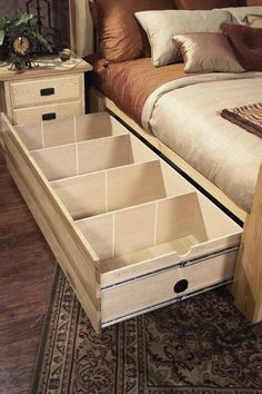 Diy Storage Bed, Small Bedroom Storage, Bed Frame With Storage, Diy Bed Frame, Bed Designs With Storage, Hickory Furniture, Amish Furniture, Pallet Furniture, Bedroom Furniture