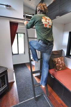 We needed a safe and inexpensive option when creating our loft ladder. Here we share how to make a ridiculously easy loft ladder for tiny houses. House Ladder, Diy Ladder, Attic Ladder, Loft Ladders, Shed To Tiny House, Tiny House Loft, Cabin Design, Loft Design, Timy Houses