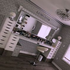 Makeup rooms - GLAM ROOM ✨ My dream Makeupbysooni vanity finally came to life! Thank you to my amazing father for making… Makeup Room Decor, Makeup Studio Decor, Vanity Room, Closet Vanity, Salon Interior Design, Room Interior, Glam Room, Cute Room Decor, Wall Decor