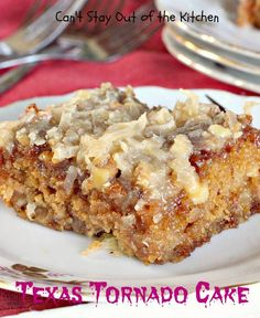 This cake recipe is quick, simple and budget-friendly! Texas Tornado Cake is a fruit cocktail cake with a streusel-nut topping and boiled coconut frosting. Just a few simple ingredients are used to make the cake, so preparing it is super simple. Köstliche Desserts, Delicious Desserts, Dessert Recipes, Easy Cake Recipes, Sweet Recipes, Cupcake Recipes, Food Cakes, Cupcake Cakes, Do Nothing Cake