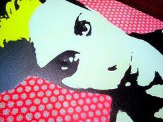 Soggetto realizzato con stencil fatto a mano, colori acrilici spray, brillantini fosforescenti, strass di resina su tela. -  Subject made with handmade stencil with spray acrylic colours, glow in the dark glitter, resin strass on canvas. -  Per informazioni e prezzi: manualedelrisveglio@gmail.com