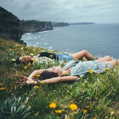 Image shared by O V E R F L O W. Find images and videos about summer, nature and flowers on We Heart It - the app to get lost in what you love. Mode Hipster, Into The Wild, Photo Voyage, Poses Photo, Photocollage, The Great Outdoors, Summer Vibes, Summer Breeze, Besties