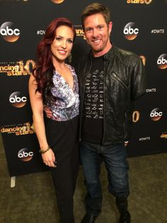 #DWTS pro @SharnaBurgess plans to make @noah_galloway a dancer. He lost 2 limbs in Iraq but says bring it on! #drive