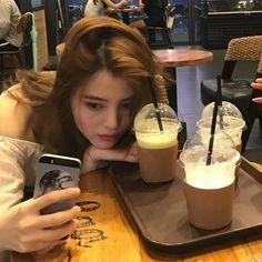 Insta Photo Ideas, Asia Girl, Korean Actresses, Ulzzang Girl, Glass Of Milk, Asian Woman, Korean Girl, Girlfriends, Pictures