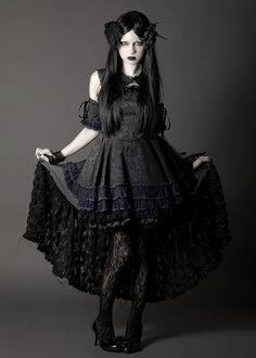 Frillby h. NAOTO Collection 2014 goth gothic vampire alternative lolita dark makeup dress skirt heels beautiful pretty sexy girl woman fetish
