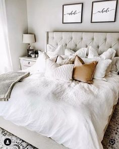 38 Look Luxurious With a White Master Bedroom Design Ideas - A master bedroom should be the perfect retreat from whatever is going on in the rest of the home and place where you can really kick -back and relax. Master Bedroom Makeover, Master Bedroom Design, Interior Design Living Room, Master Suite, Bedroom Designs, Cozy Master Bedroom Ideas, Cozy White Bedroom, Peaceful Bedroom, Master Master