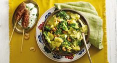 Stamppot groene curry met cashewnoten en pittig gehakt Lidl, Avocado Toast, Guacamole, Broccoli, Mexican, Dinner, Cooking, Breakfast, Ethnic Recipes
