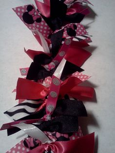 Minnie Mouse PINK!  www.CutiepatootieCollars.etsy.com