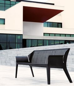 Bancos de exterior | Vancouver metal Outdoor Bench | AREA | AREA. Check it out on Architonic