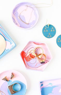 5 Minute DIY // How to Make a Jewelry Dish with a Box Lid #modern #diy #jewelry