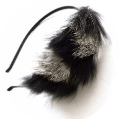 ゴージャスなラビットファーのヘアカチューシャ。ふわっとした毛皮の質感とクールな色合いがヘアスタイルにパンチを効かせてくれます。パーティーシーンにもぴったり*モ...|ハンドメイド、手作り、手仕事品の通販・販売・購入ならCreema。