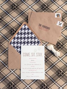 houndstooth envelopes. oh my! @Bethany Dicharry -- keep these in mind for future baby showers.