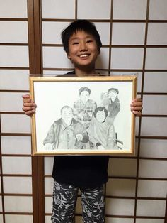 "Art delivered to Japan ... Tokyo Japanese Customer words : ""Yayoi Shimotani carlos87  カルロスの絵を父へプレゼント❤️  Im now my parents home at Osaka, I handed ur art to my dad as his birthday present !! He s so happy   Thank u so much❤️ ※ The boy is my nephew x""."