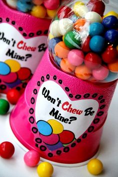 Bubble Gum Machine for Valentine's Day with a printable. by Bitz & Giggles. I can't believe how easy this is to make!