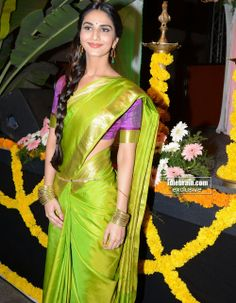Vaani Kapoor Photos - Vaani Kapoor in Green Saree Indian Sarees, Silk Sarees, Saris, Indian Attire, Indian Ethnic Wear, Saree Dress, Saree Blouse, Bollywood Celebrities, Bollywood Actress