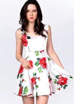 Vestido estampado rosas-Blano EUR€28.76http://es.sheinside.com/White-Sleeveless-Bandeau-Floral-Tank-Dress-p-113393-cat-1727.html