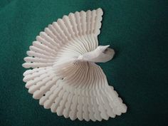 Fan Carvers World is dedicated to sharing & preserving the Old World art form of fan-carving with its symbolism throughout the many cultures that it influenced Northern White Cedar, Wooden Bird, Wood Turning, Art Forms, Old World, Old Things, Fan, Woodcarving, Vermont