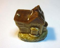 Under the Sea Figurine~WADE TREASURE CHEST~Red Rose Tea~Bagged