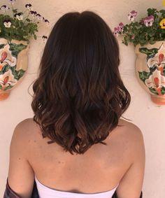 Summer Hairstyles, Pretty Hairstyles, Medium Hair Styles, Long Hair Styles, Mid Length Hair, Celebrity Hairstyles, Glow, Chic, Celebrities