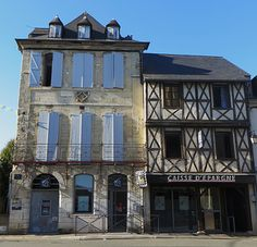 Maison de Jeanne d'Albret (XVe) et maison Madaune (début XVIIe), Morlaàs, Béarn, Pyrénées-Atlantiques, Aquitaine, France. | Flickr - Photo Sharing!