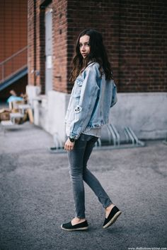 denim jacket fashion blogger, casual outfit, striped shirt