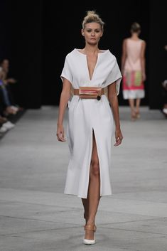 Brandon Maxwell Spring 2020 Ready-to-Wear Fashion Show Fashion 2020, Runway Fashion, Trendy Fashion, Fashion Show, Womens Fashion, Fashion Tips, Fashion Hair, 80s Fashion, Korean Fashion