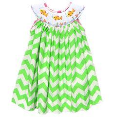 Mano Smocked Vestido de pez verde Chevron por Smockadoo en Etsy