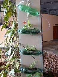 Resultado de imagem para fotos de horta verticais com gotejamento