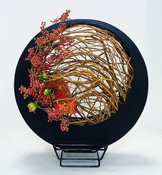 Ikebana...this is really beautiful!