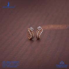 Diamond drops on the base of gold. Get in touch with us on Jewelry Design Earrings, Gold Earrings Designs, Ear Jewelry, Jewelry Frames, Small Earrings, Jewelry Necklaces, Diamond Earrings Indian, Diamond Earing, Trapillo