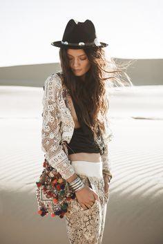 White Dunes, Gypsy Hues