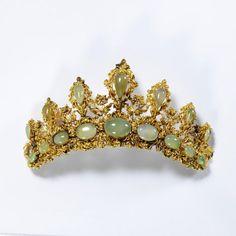 Gold chrysophase (or jade) tiara.