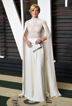 2016 Vanity Fair Oscars party: what they're wearing - Elizabeth Banks in Ralf & Russo Couture