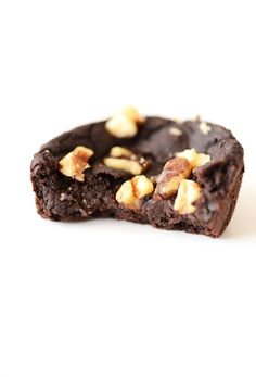 Black Bean Brownies. INGREDIENTS: 15 oz. can (1.75 cups) black beans well rinsed and drained, 2 large flax eggs (2.5 T flaxseed meal + 6 T water), 3 T coconut oil melted, 3/4 cup cocoa powder, 1/4 tsp sea salt, 1 tsp pure vanilla extract, heaping 1/2 cup raw sugar slightly ground (or use agave),1.5 tsp baking powder, Optional toppings: crush walnuts, pecans or semisweet chocolate chips. METHOD: