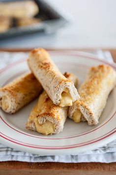 My Kiwi Fave is my Mum's world famous Southland Cheese Rolls (well, world famous in our family). Mum's cheese rolls remind me of being a little girl and going out on the farm with Dad and I would always look forward to going home for lunch which would be mum's homemade vege soup and gooey […]