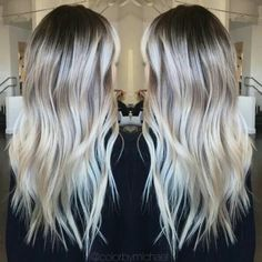 Flamboyage blonde: Samantha Vanderband
