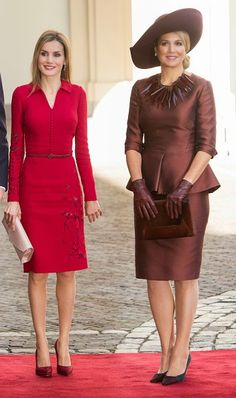 (R) Dutch Queen Maxima and Spanish Queen Letizia at The Noordeinde Palace on 15.10.2014 in The Hague, Netherlands