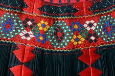 Textiles, Fabric Art, Traditional Dresses, Smocking, Ethnic, Costumes, Quilts, Embroidery, Detail