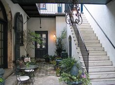 Charleston courtyard