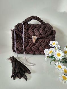 Woman bags. Brown fashion elegans woman
