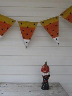 Halloween Bunting http://crazyhalloweenideas.blogspot.com