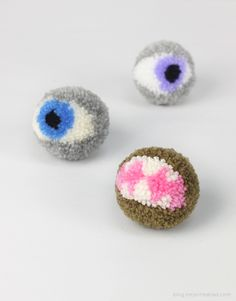 Halloween pompoms tutorial - pompom monsters